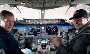 Steve & Grant on the 787 ZA003's Flight Deck